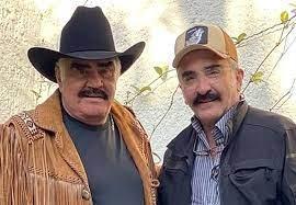 """Vicente Fernández Jr. desmintió supuesta muerte cerebral de su padre: """"Es un asco que engañen"""""""