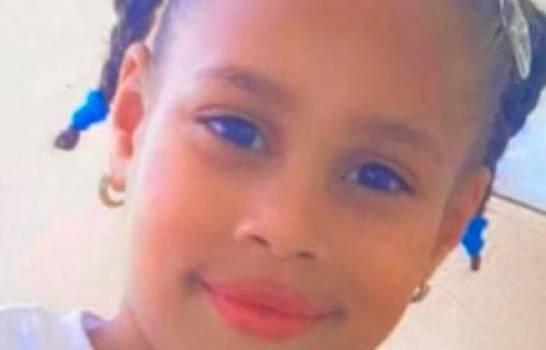 Niña de siete años muere en medio de balacera por disputa en el control de puntos de drogas en Moca