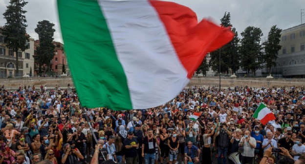 Fuertes enfrentamientos en Roma por restricciones de la pandemia